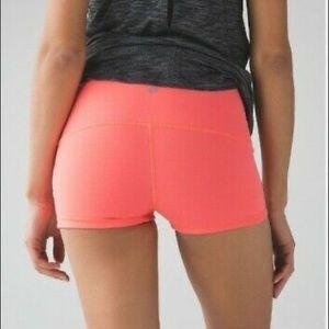 Lululemon Boogie Hot Yoga Shorts Size 2